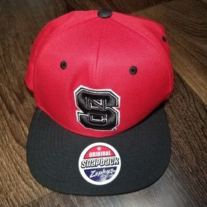 🍍Zephyr Red NC State Wolfpack Z11 Snapback